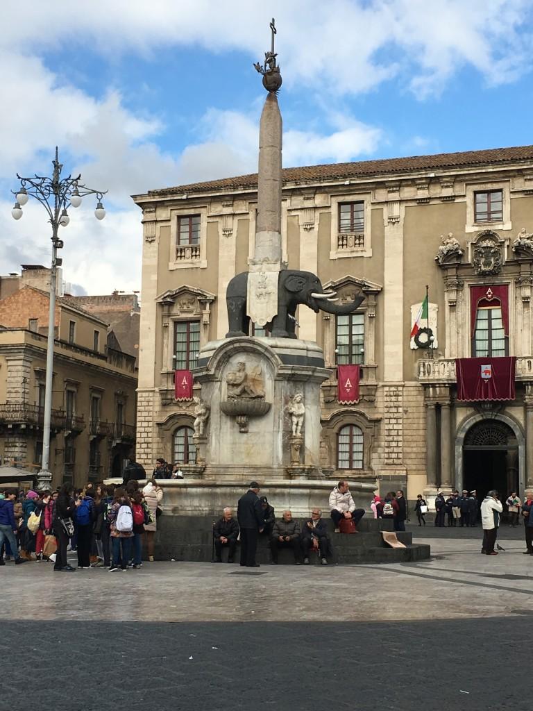 Piazza Duomo - Elepnat Obelisk